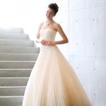 透明感のあるウェディングドレス
