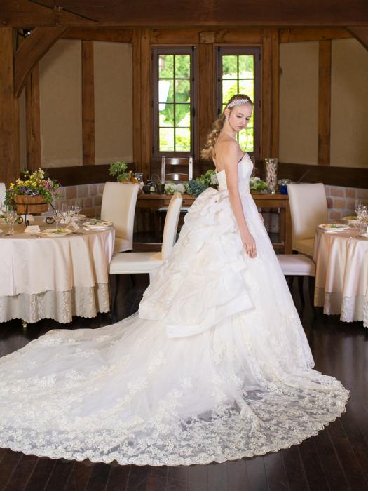 /home/users/0/kilo.jp topwedding/web/blog/wp content/uploads/wedding 160801 weddingdress 1484 02 l