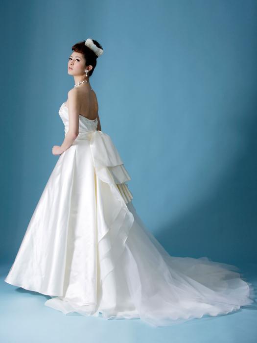 /home/users/0/kilo.jp topwedding/web/blog/wp content/uploads/wedding 171218 weddingdress 1387 02 l