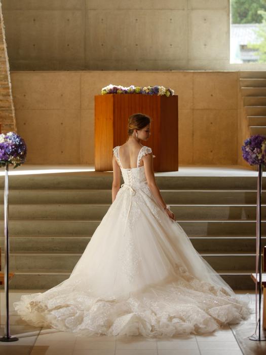 /home/users/0/kilo.jp topwedding/web/blog/wp content/uploads/wedding 180430 weddingdress 1537 02 l