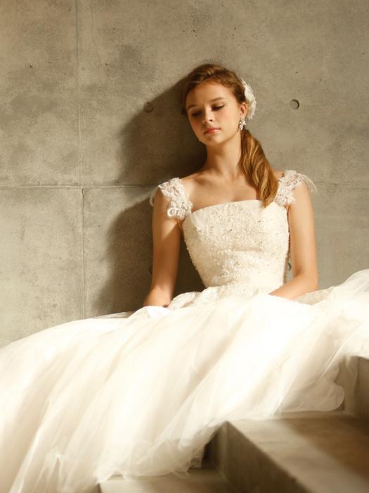 /home/users/0/kilo.jp topwedding/web/blog/wp content/uploads/wedding 180430 weddingdress 1537 03 l